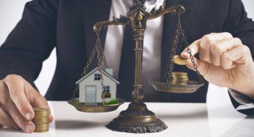 Жить в своей квартире, взять ипотеку или арендовать. Что выгоднее?